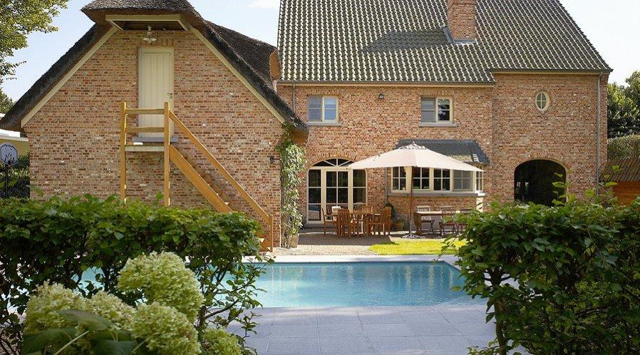 zwembaden - binnenzwembad en buitenzwembad: Lichtaart (Kasterlee), Turnhout en Antwerpen