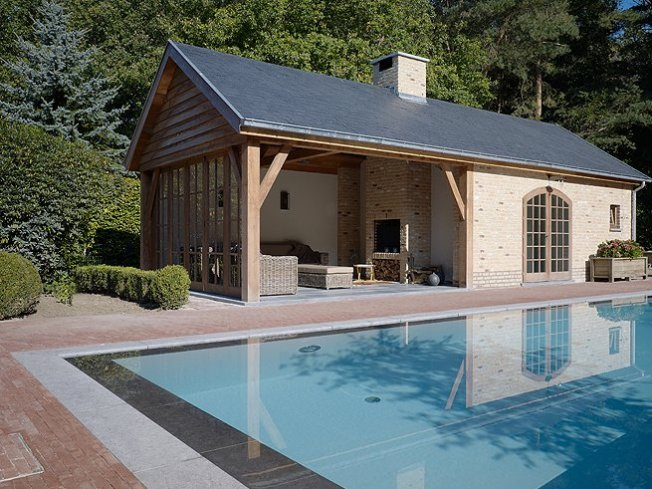Zwembad poolhouse relaxzwembaden - Zwembad betegeld grijs ...