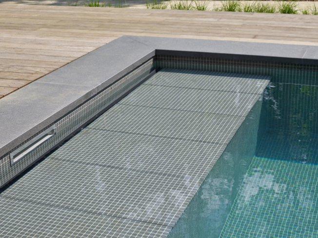 zwembad relaxbank mozaïk -Relaxzwembaden
