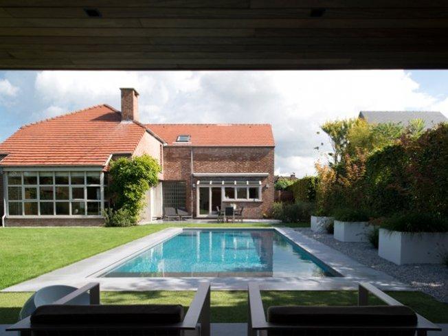 Zwembad open poolhouse
