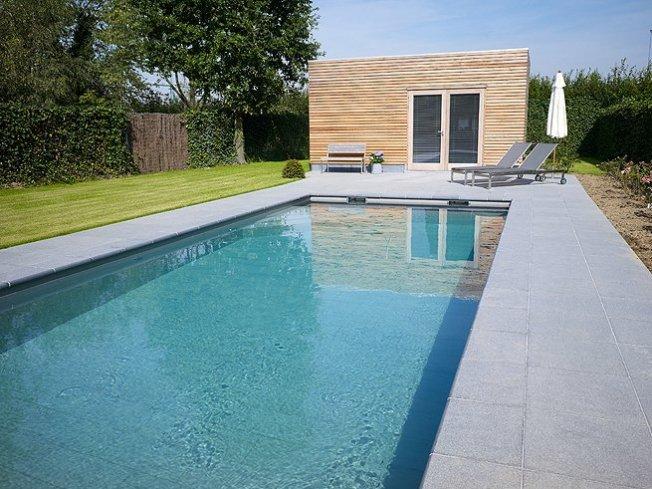 Zwembad betegeld pool relaxzwembaden - Zwembad betegeld grijs ...